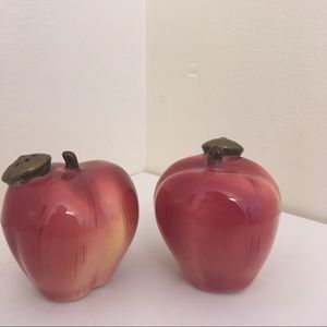 Apple Salt & Pepper Shaker Set
